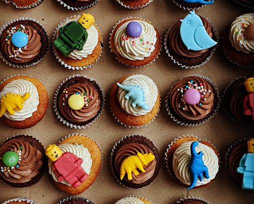 Minicupcakes s detskými ozdobami